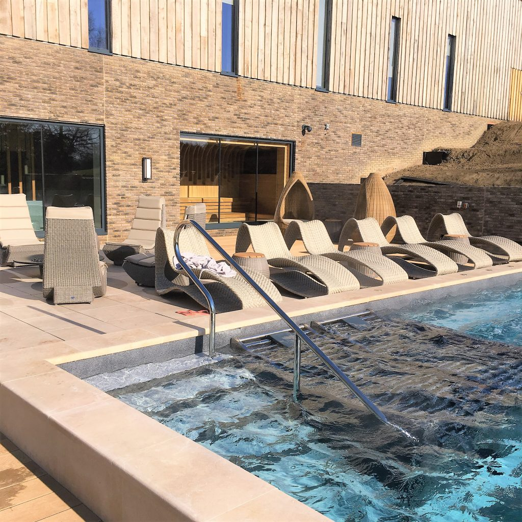 Vitality hydrotherapy pool