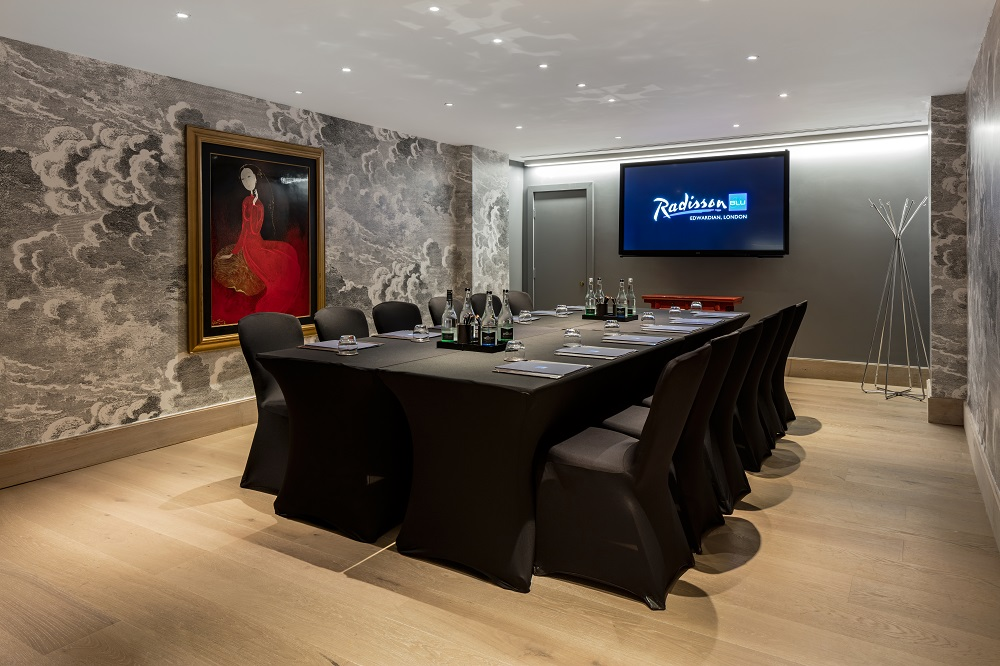 Meeting room at Radisson Edwardian Blu Hampshire private dining events